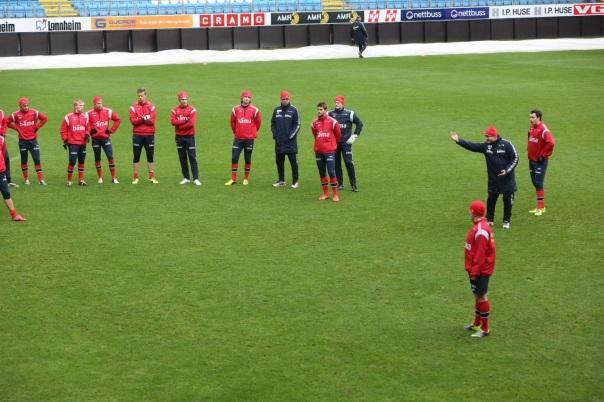 Per Mathias Høgmo får gleden av å lede et norsk fotball-lag på den historisk siste gresskampen på Aker stadion. Foto: Odd Roar Lange